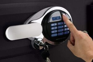 Safe with fingerprint lock